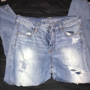 American Eagle Distressed Capris